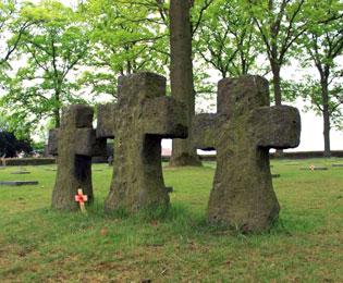langemark-cemetery-stone-cross