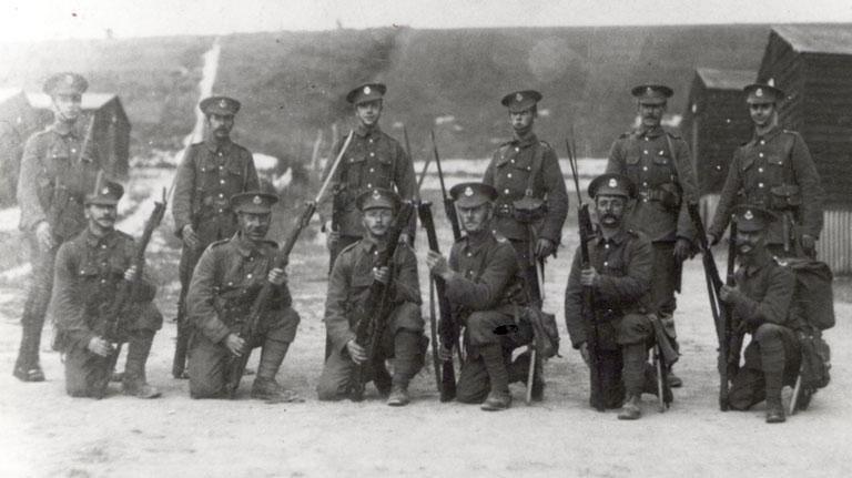 1915 - Arthur Dawson, back row 1st right